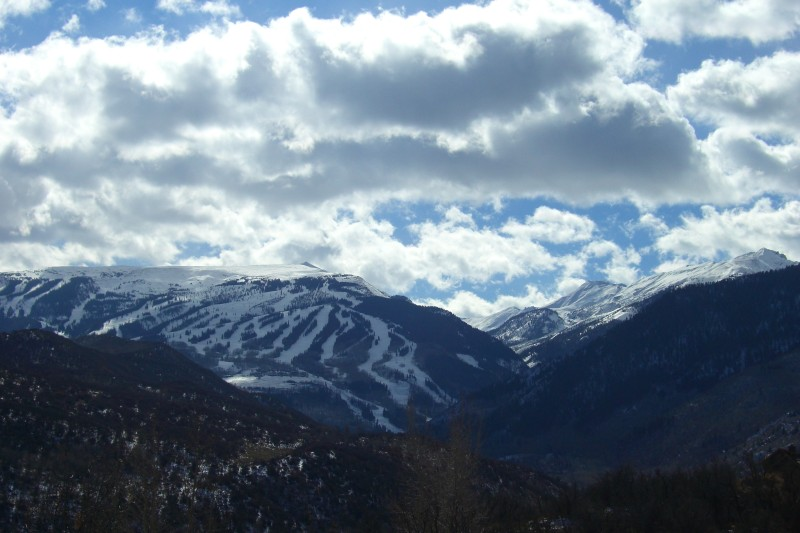 Looking at Snowmass Ski Area, from Snowmass Creek valley